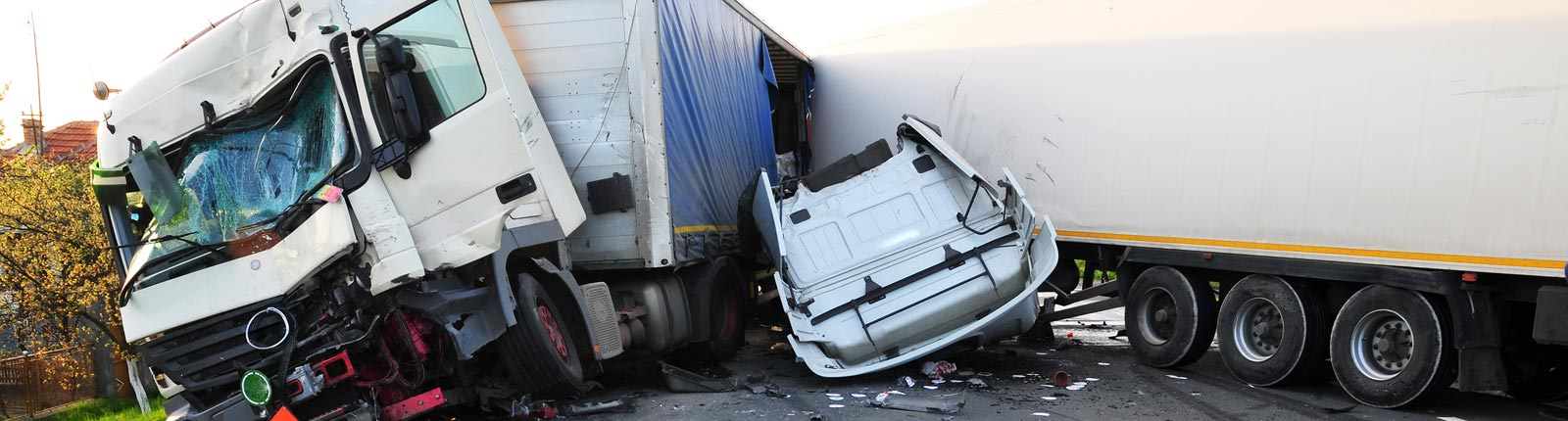 Truck Accident Lawyer Austin TX | Semi Truck 18 Wheeler
